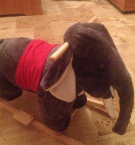 Слоник-качалка