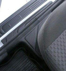 Накладки на ковролин порогов Lada (ВАЗ) Largus 12-