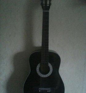 Продам или обменяю акустическую гитару