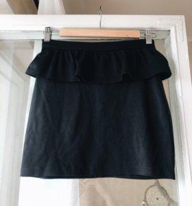 Мини чёрная юбка