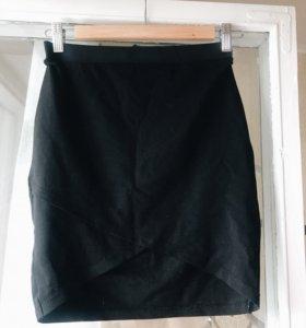 Чёрная мини юбка