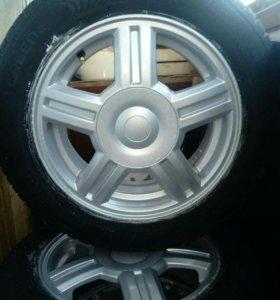 Продам новый комплект колёс на литых дисках