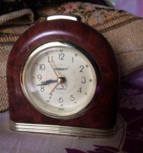 Часы будильник Скарлет