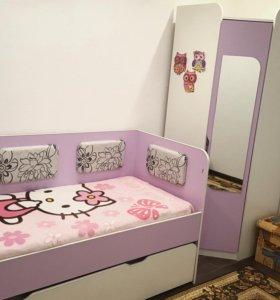 Детская(кровать и шкаф)
