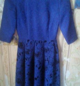Продам два платья)