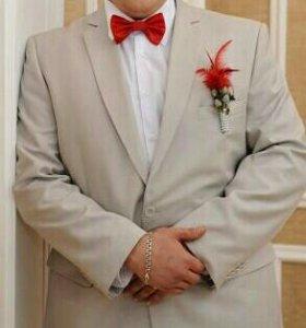 Мужской костюм фирмы Пеплос