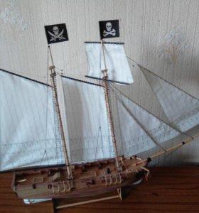 Модель корабля Adventure
