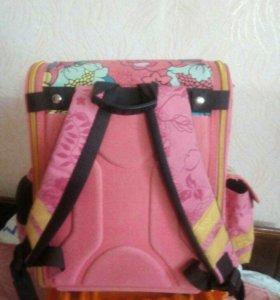 Продам школьный рюкзак короб