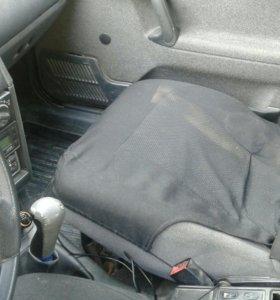Авто стоит газовое оборудование машина 2003года