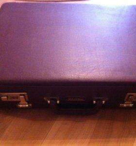 Кожаный чемодан, для работы