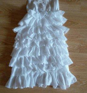 Новое красивое,платье.