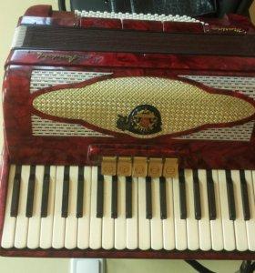 Концертный аккордеон Royal Standard Montana