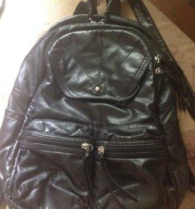 Рюкзак из эко кожи в хорошем состоянии