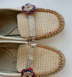 Туфли для девочек .