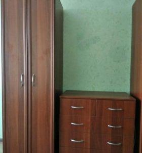 Шкаф платяной и комод
