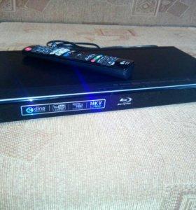 Беспроводной Blu-ray-плеер LG BD570