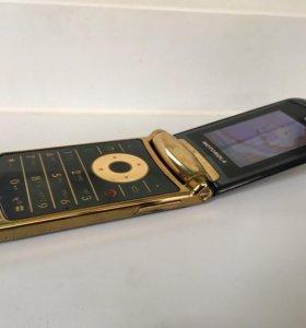 """""""Motorola razr2 V8"""" luxury edition"""
