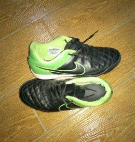 Футбольные Nike, 36 р-р