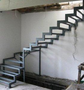 металлический каркас лестницы открытого типа
