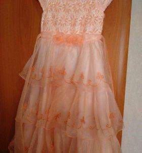 Красивое платье для девочки от 5 до 8 лет