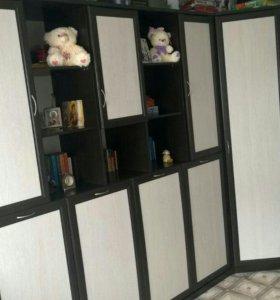 Шкаф-кровать с матрасом Аскона и угловая секция