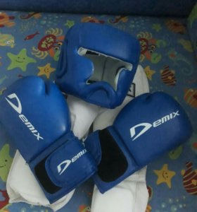 Шлем,перчатки,защита.