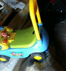 Машина детская, управляемая ножками