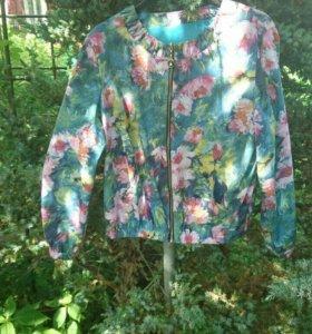 Легкая куртка р.48-50