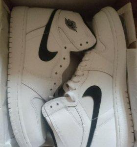 Новые оригинальные кроссовки Nike AIR JORDAN