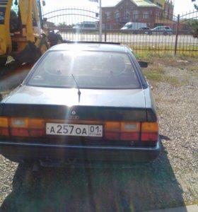 Машина Ауди 100