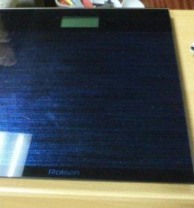 Весы напольные стеклянные Rolsen