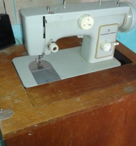 Швейная машинка ( чайка)