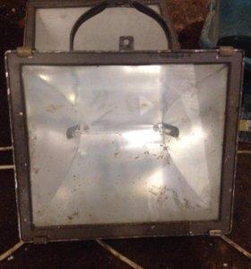 Прожектор фонарь