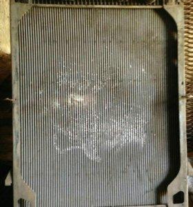 Радиатор на Ивеко евростар-еврокарго