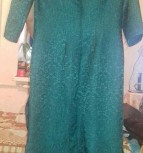 Платья темные зеленые