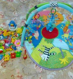 Развивающий коврик + пакет игрушек