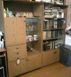 Шкаф книжный и сервант