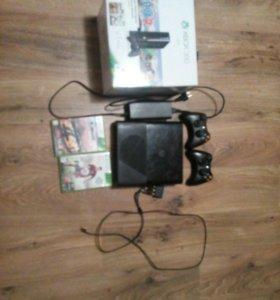Xbox 360 +2 игры и 2 геймпада