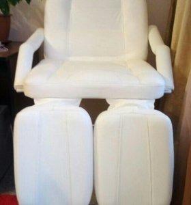 Маникюрно-педикюрное кресло