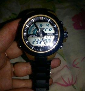 Спортивные кварц часы