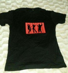 Свето-музыкальная футболка