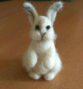 Кролик валяная игрушка
