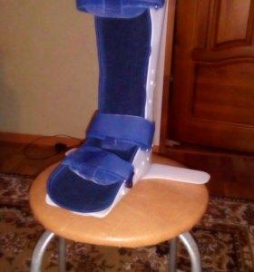 Ортопедический сапожок при переломе шейки бедра