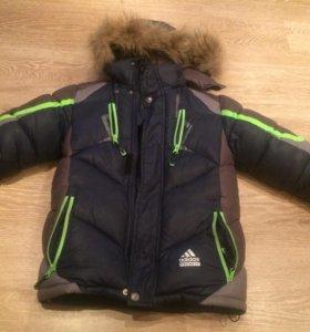 Куртка зимняя для мальчика на рост 128-140