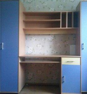 Уголок школьника со шкафами и столом