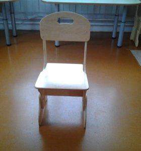 Детская кровать, стулья