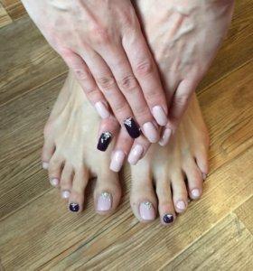 Покрытие шеллак на руках и ногах