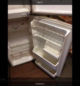 Двухкамерный Японский холодильник фирмы Sharp
