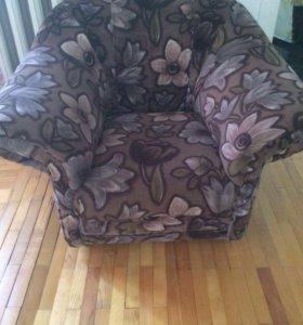 Диван раскладной с креслами