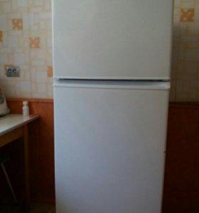 Холодильник DEXP TF210D 146*58*58